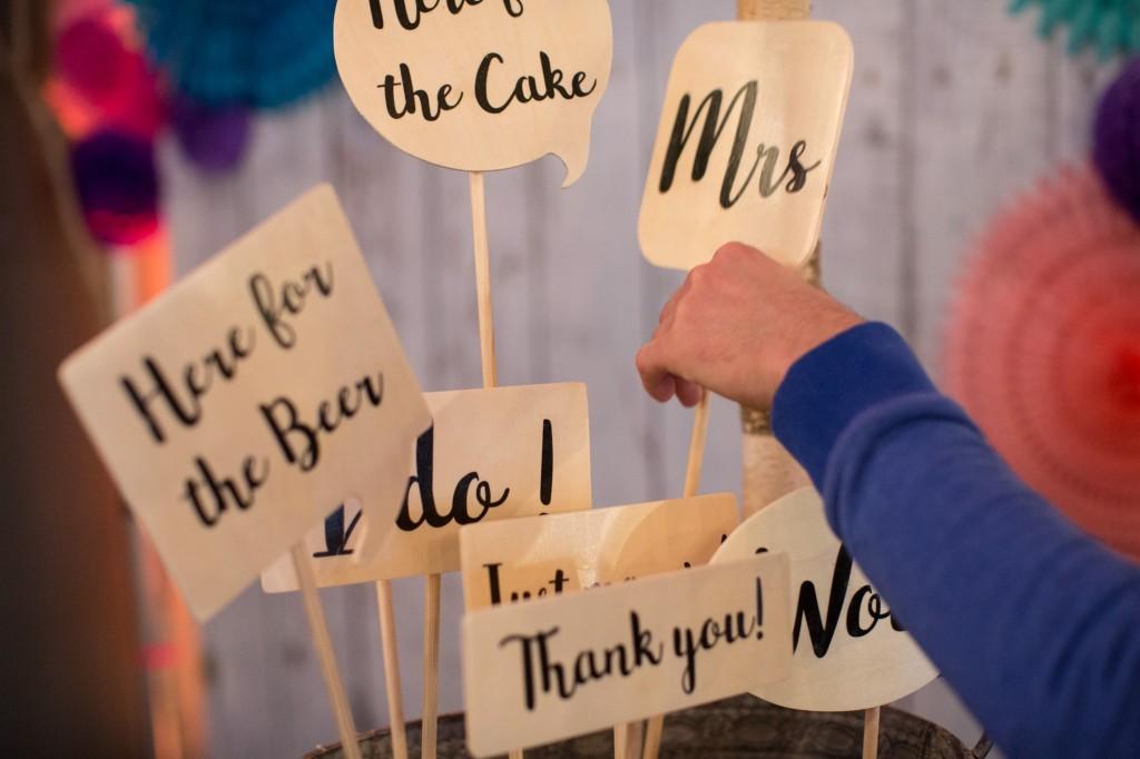 Holzschilder Fotoautomat Berlin Love Circus BASH Hochzeitsmesse